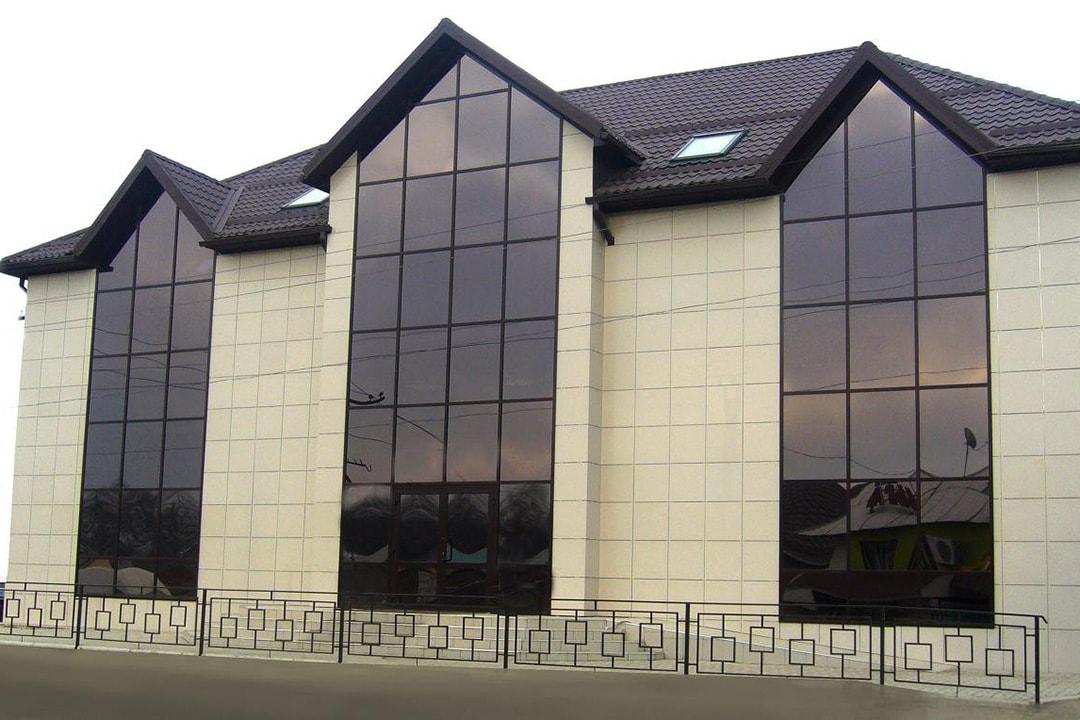 Виды и типы облицовки (отделки) фасадов домов, зданий - керамогранит