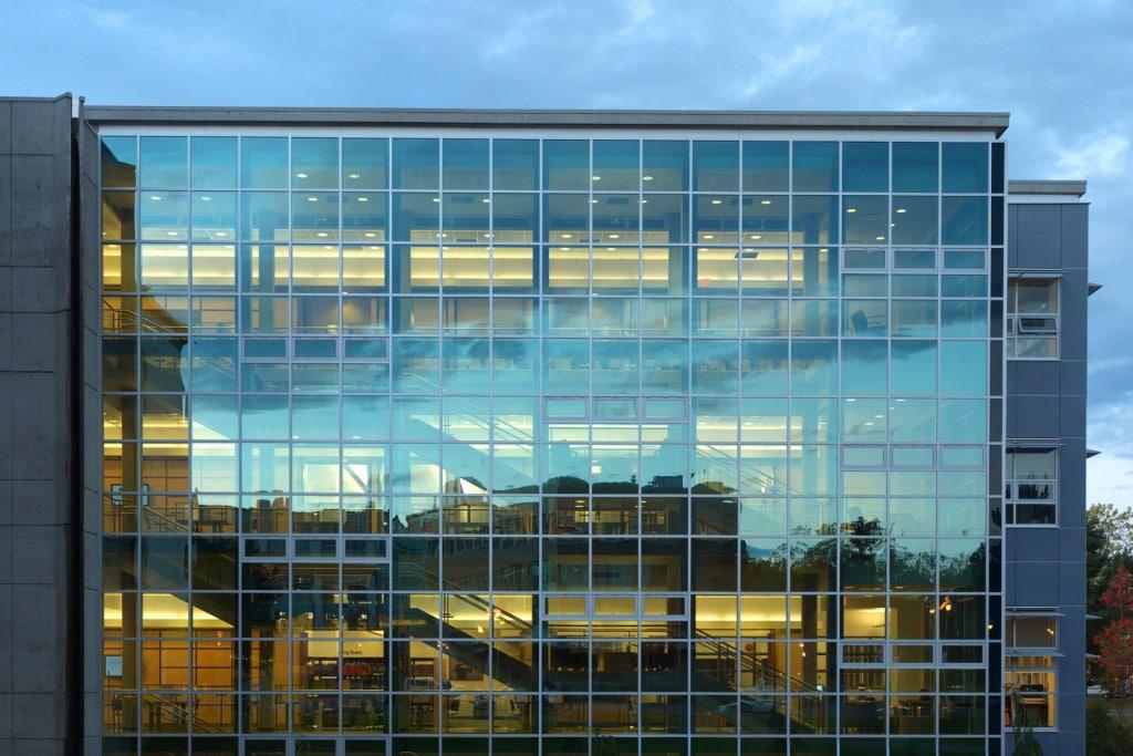 Витражное остекление фасадов - фото 2