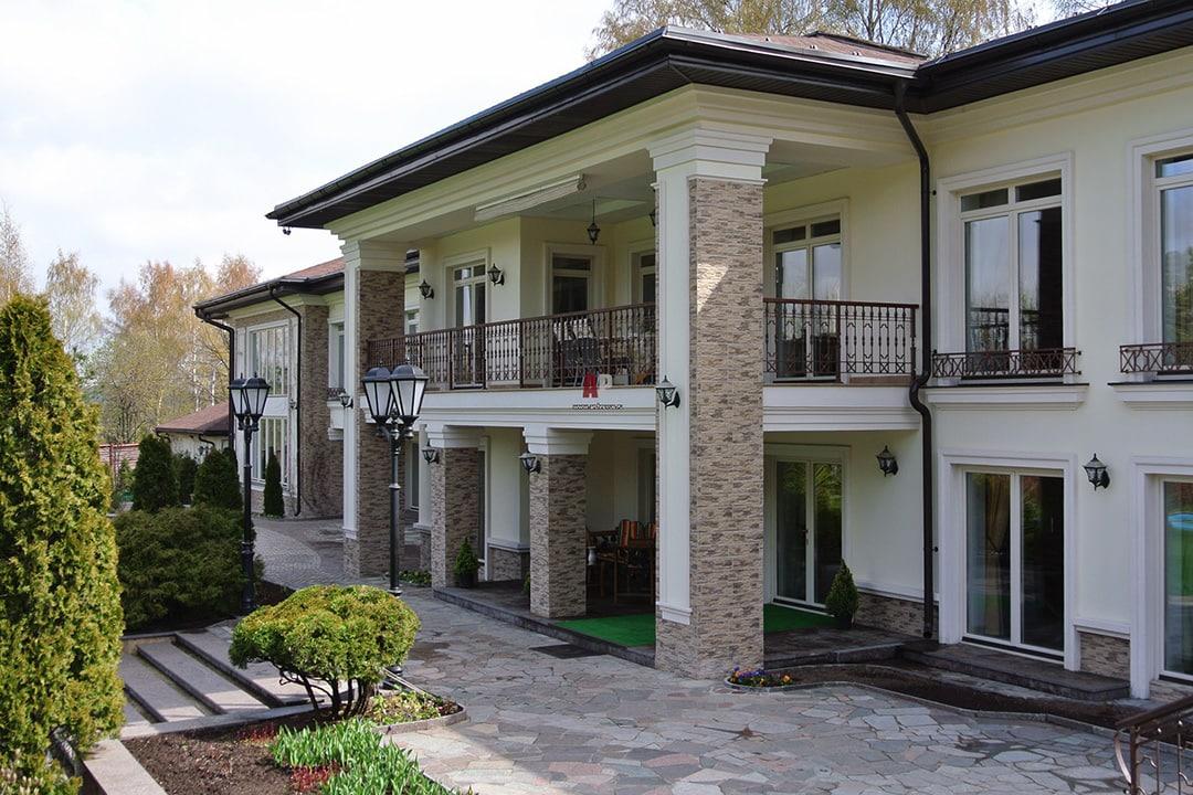 Фасад дома в средиземноморском стиле фото 1