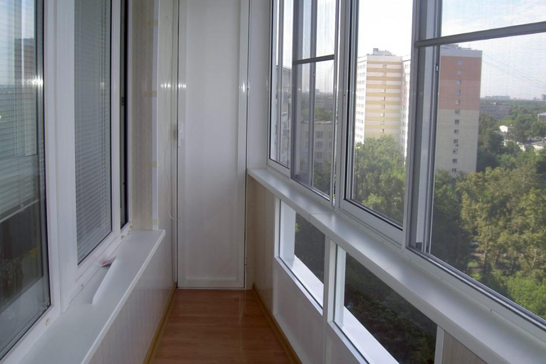 Тип остекления балкона: системы из алюминия