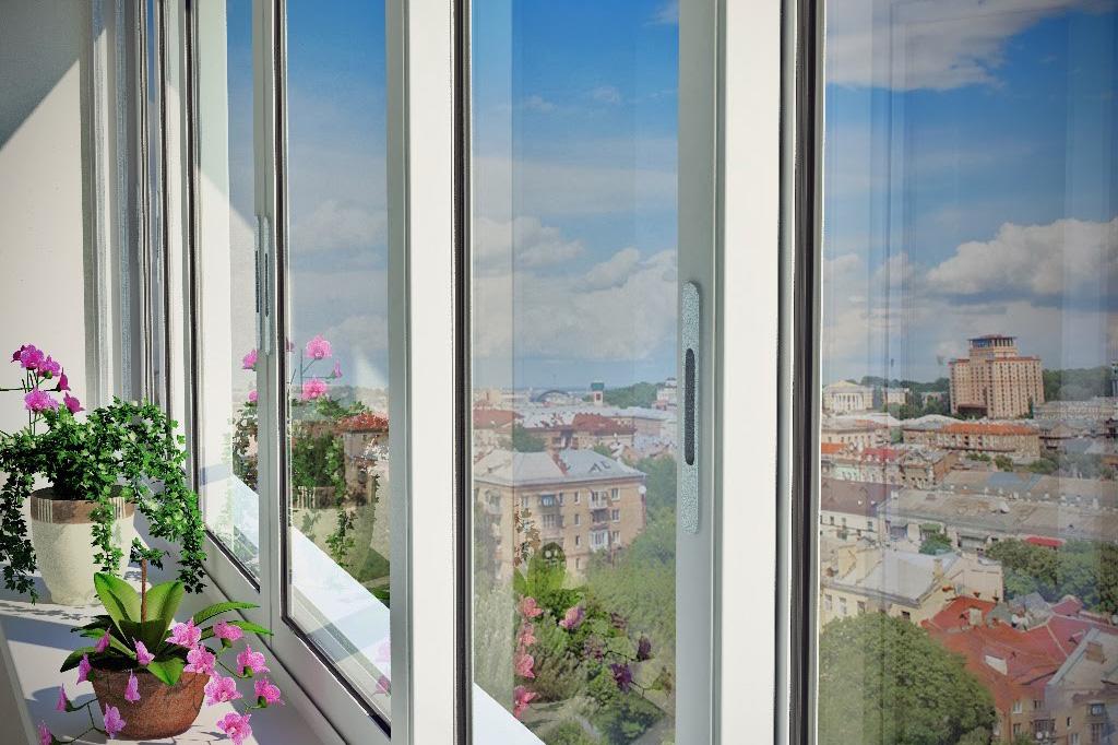 Тип остекления балкона: металлопластиковые системы (окна ПВХ)