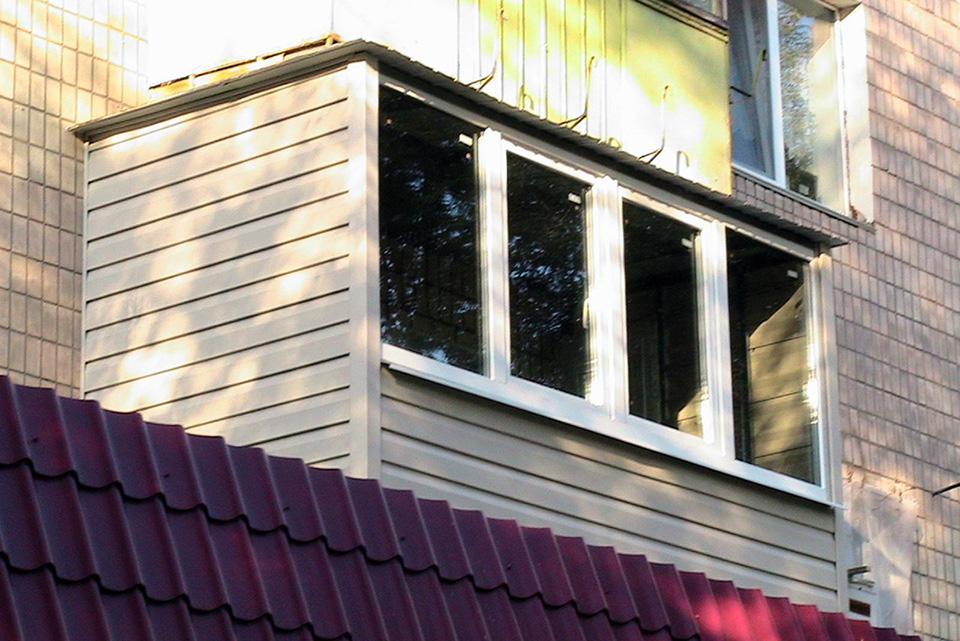 Минусы отделки балкона виниловым сайдингом
