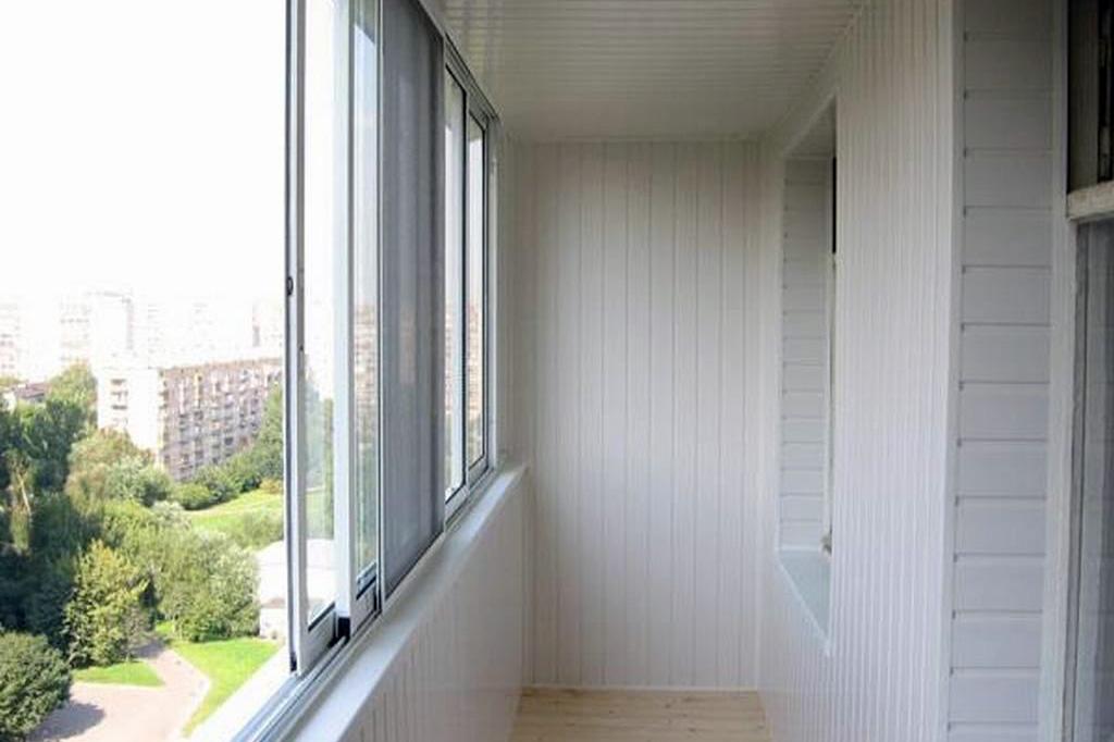 Виды раздвижных систем для остекления балкона и лоджии - 2