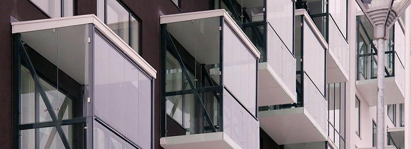 Витражное остекление балконов и лоджий
