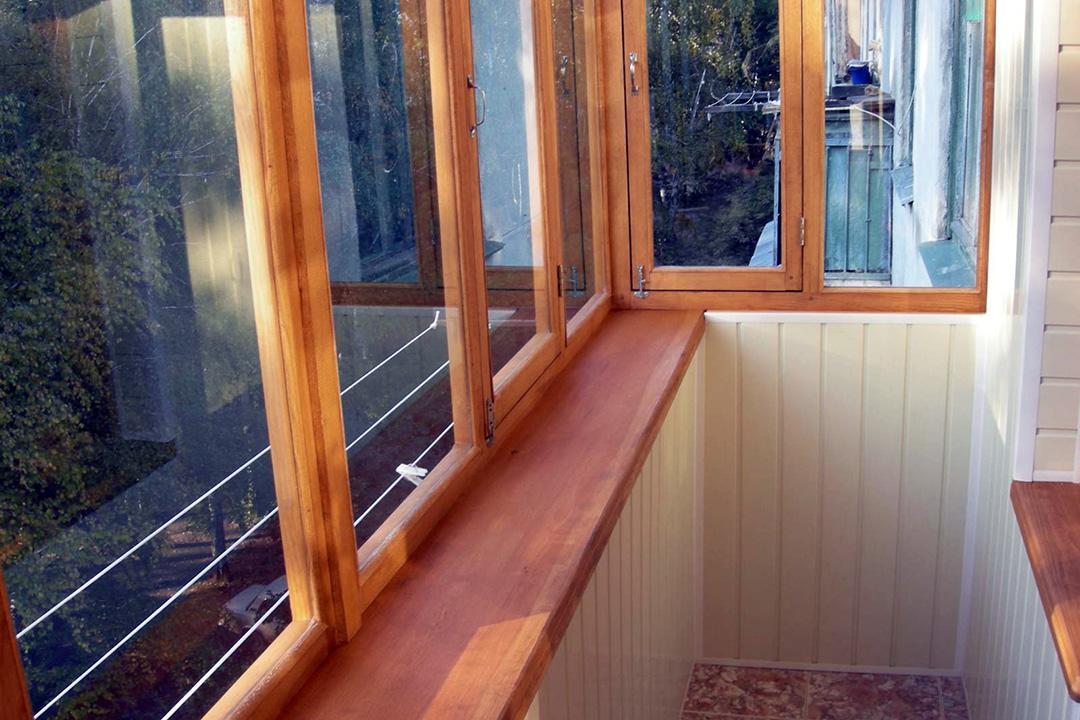 Как обшить балкон деревянной вагонкой
