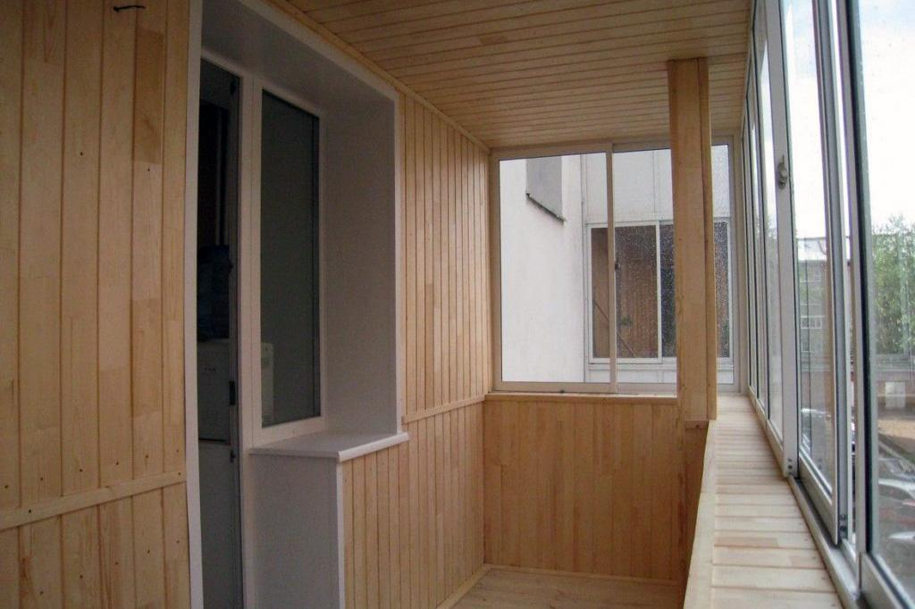 Этап 2: Ремонт балкона - остекление и освещение