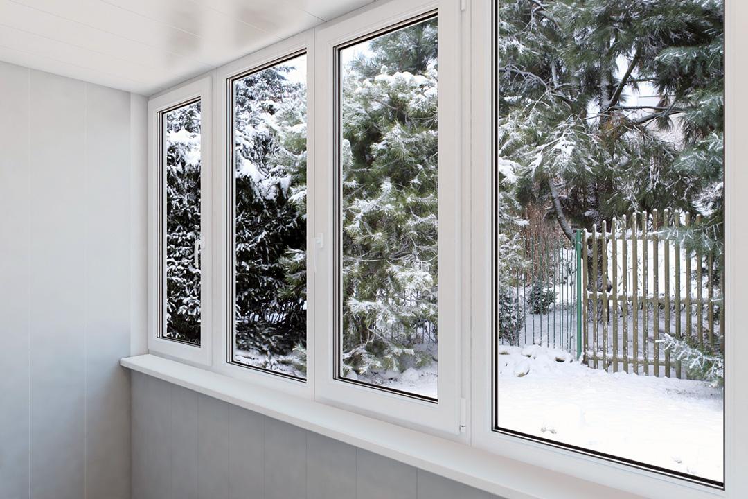 Зачем нужно теплое остекление балкона и лоджии