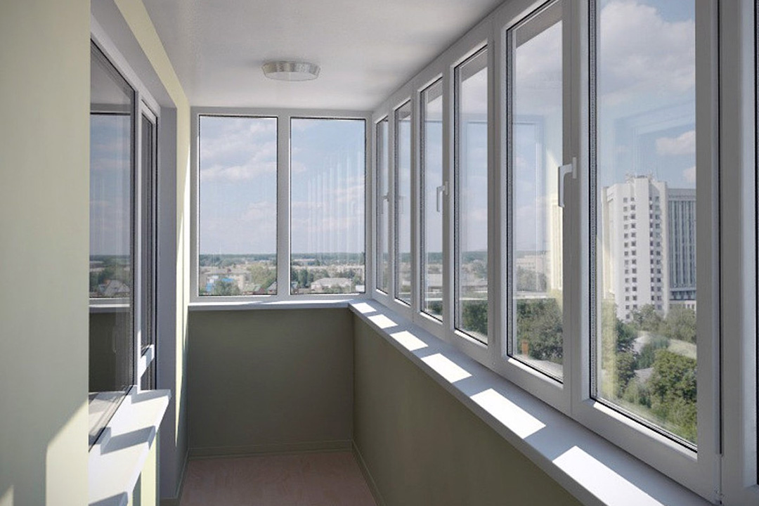 Преимущества теплого остекления балкона
